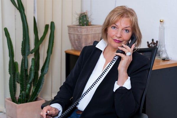 Abflussreinigung Rohrreinigung Knezevic Über uns Frau Telefon